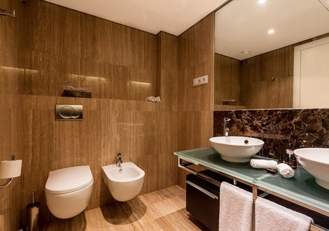 Bathroom As Cascatas Golf Resort & Spa Vilamoura Vilamoura